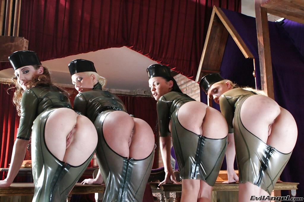 эротические костюмы порно фото