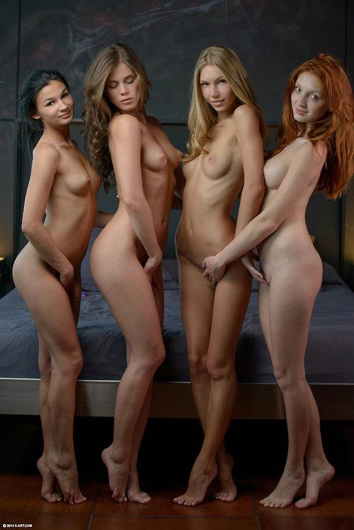фото голые девушки только девушки
