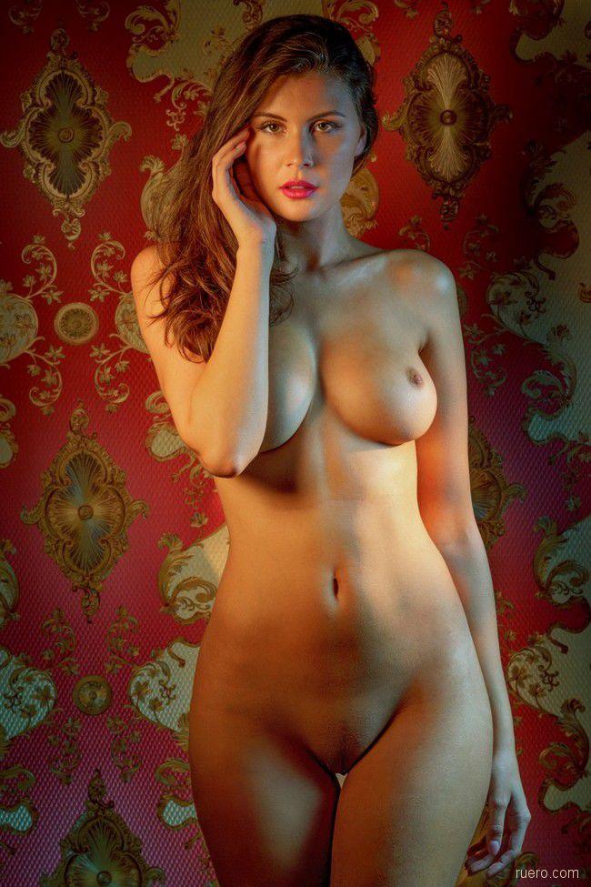 eroticheskie-foto-devushki-v-chulkah-i-kolgotki